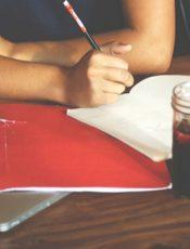 Comment reprendre les études après avoir été mère au foyer ?