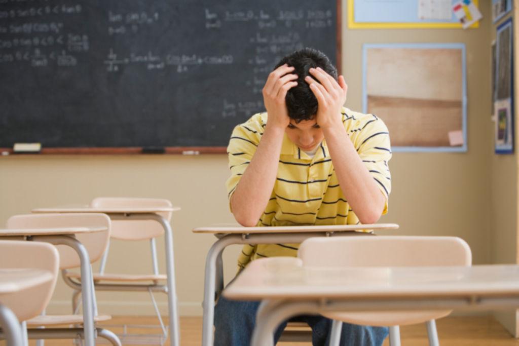 Enfants: comment les aider à surmonter la pression de l'école