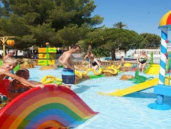 Quels sont les meilleurs campings avec parc aquatique dans le Var ?